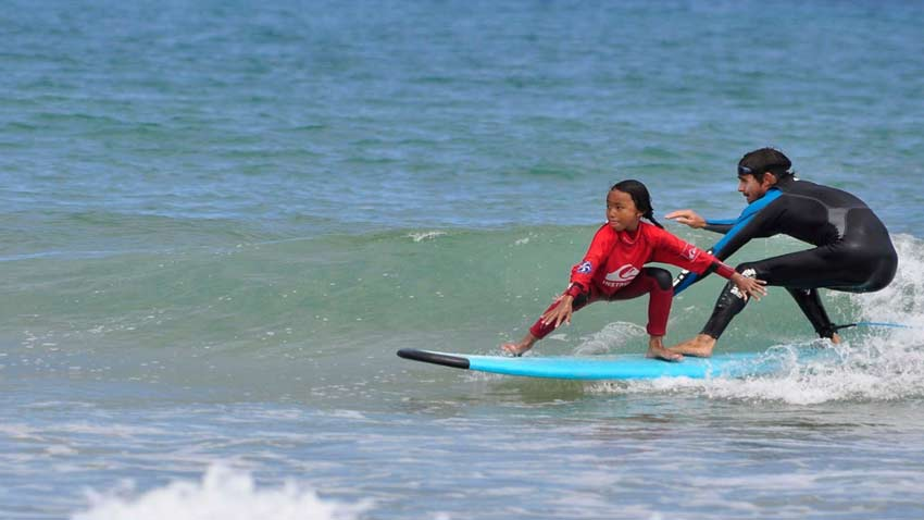 Benefits of sport for children: Surfing, the perfect activity